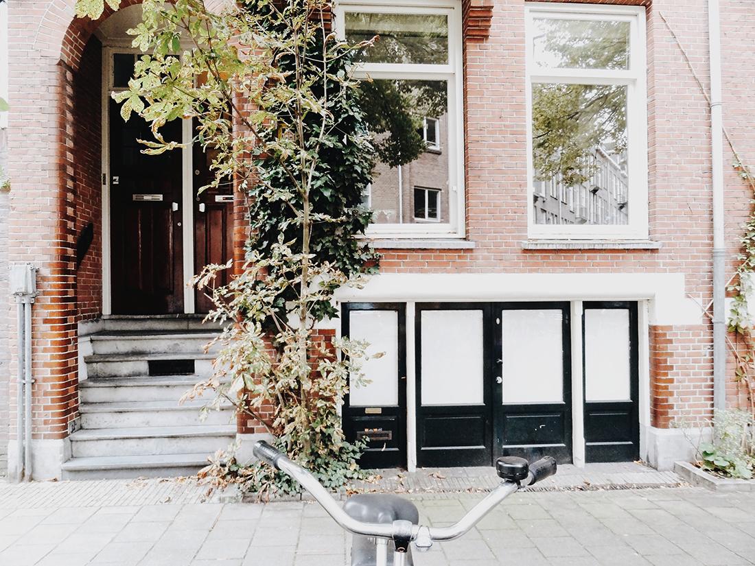 Amsterdam, city guide - hellolaroux.com