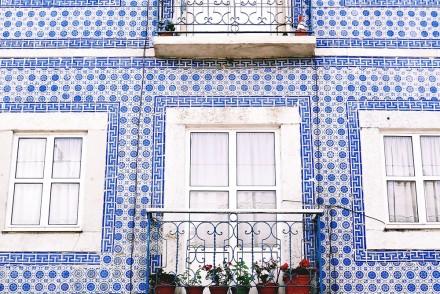 Alfama, Lisbonne, Portugal - www.hellolaroux.com