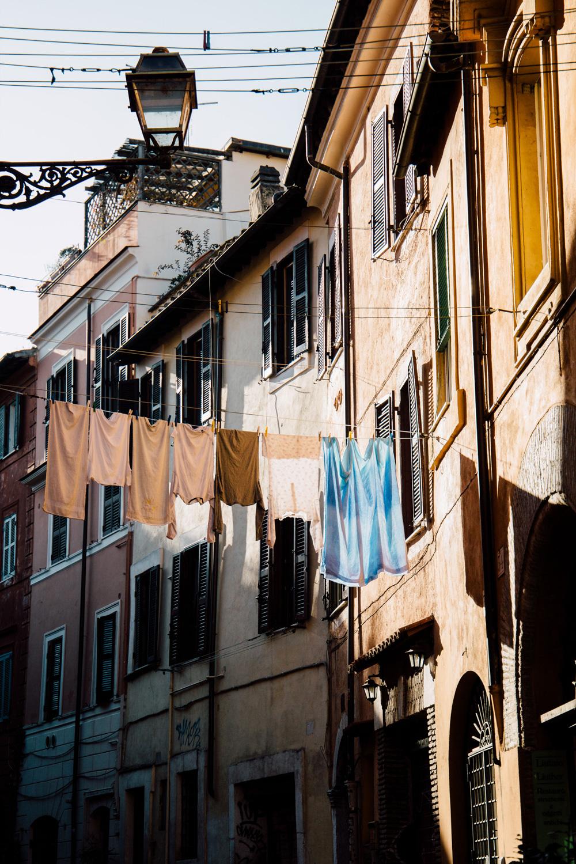 linge suspendu, image pittoresque Rome