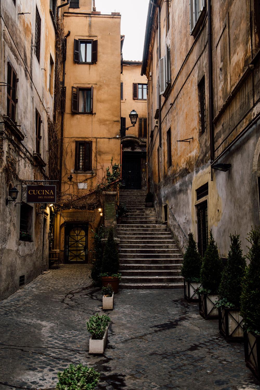ruelle typique Rome