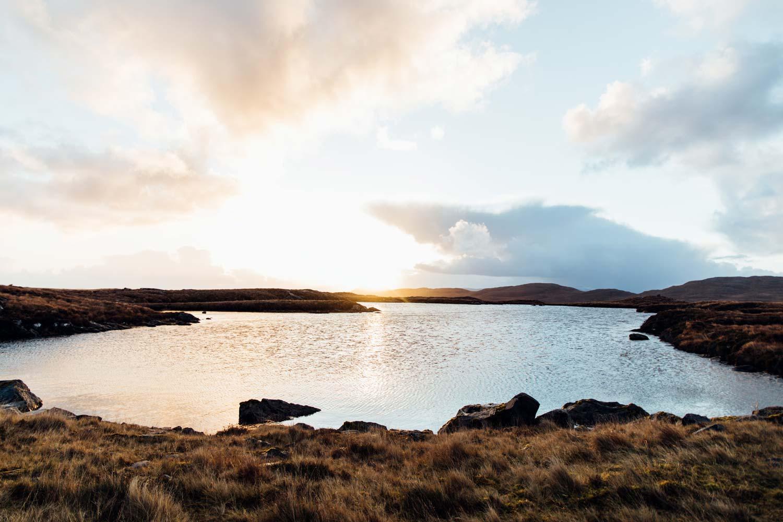 magnifique lever de soleil en Écosse