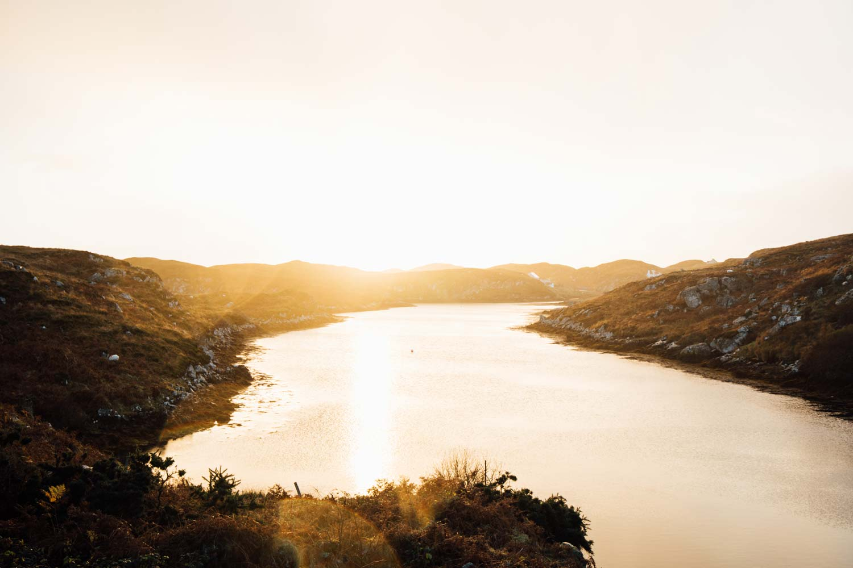 coucher de soleil sur les highlands