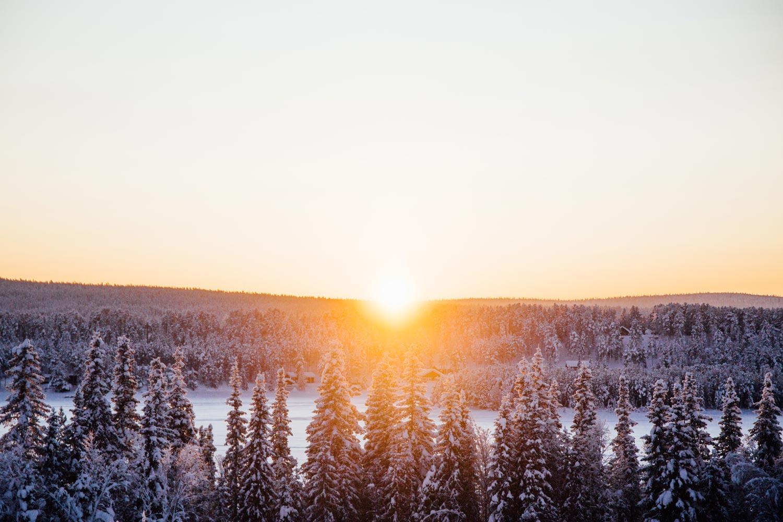 coucher de soleil sur la toundra