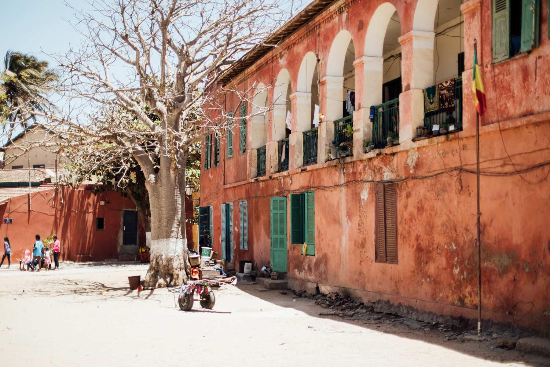 rues colorées ile de Gorée
