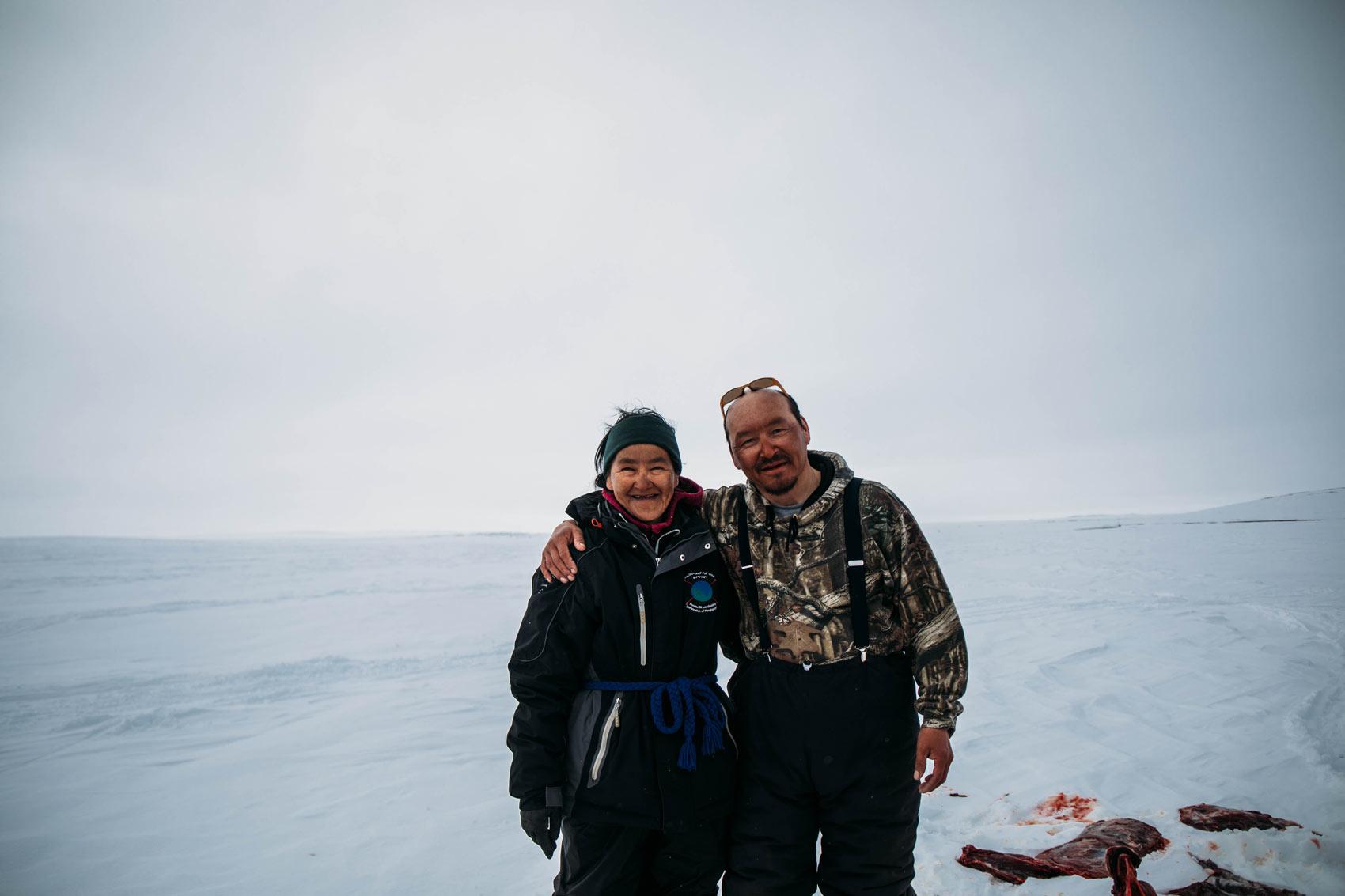 couple inuit Kangiqsujuaq Nunavik