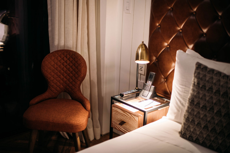 deco queen terrace room williamsburg hotel