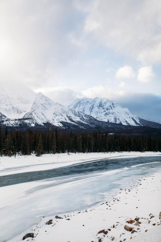 canada-parc-national-de-jasper-en-hiver
