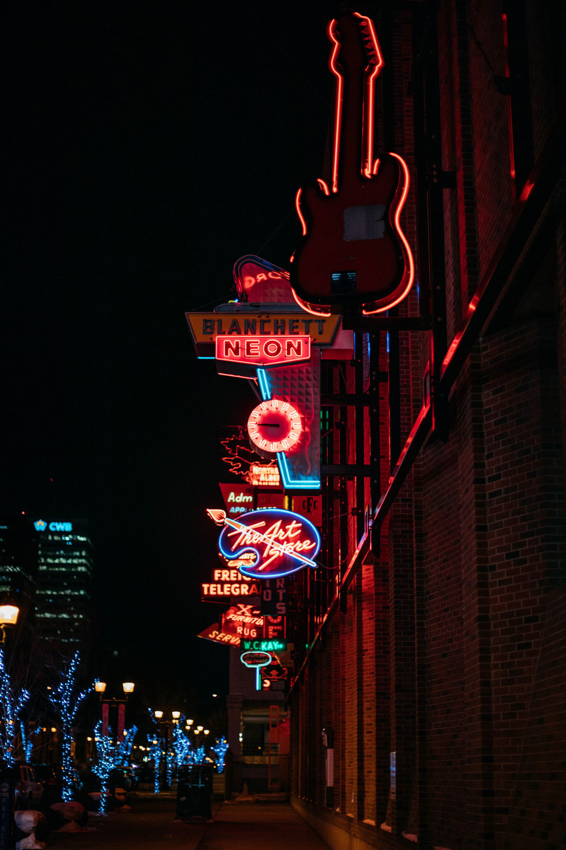 edmonton-neon-sign-museum