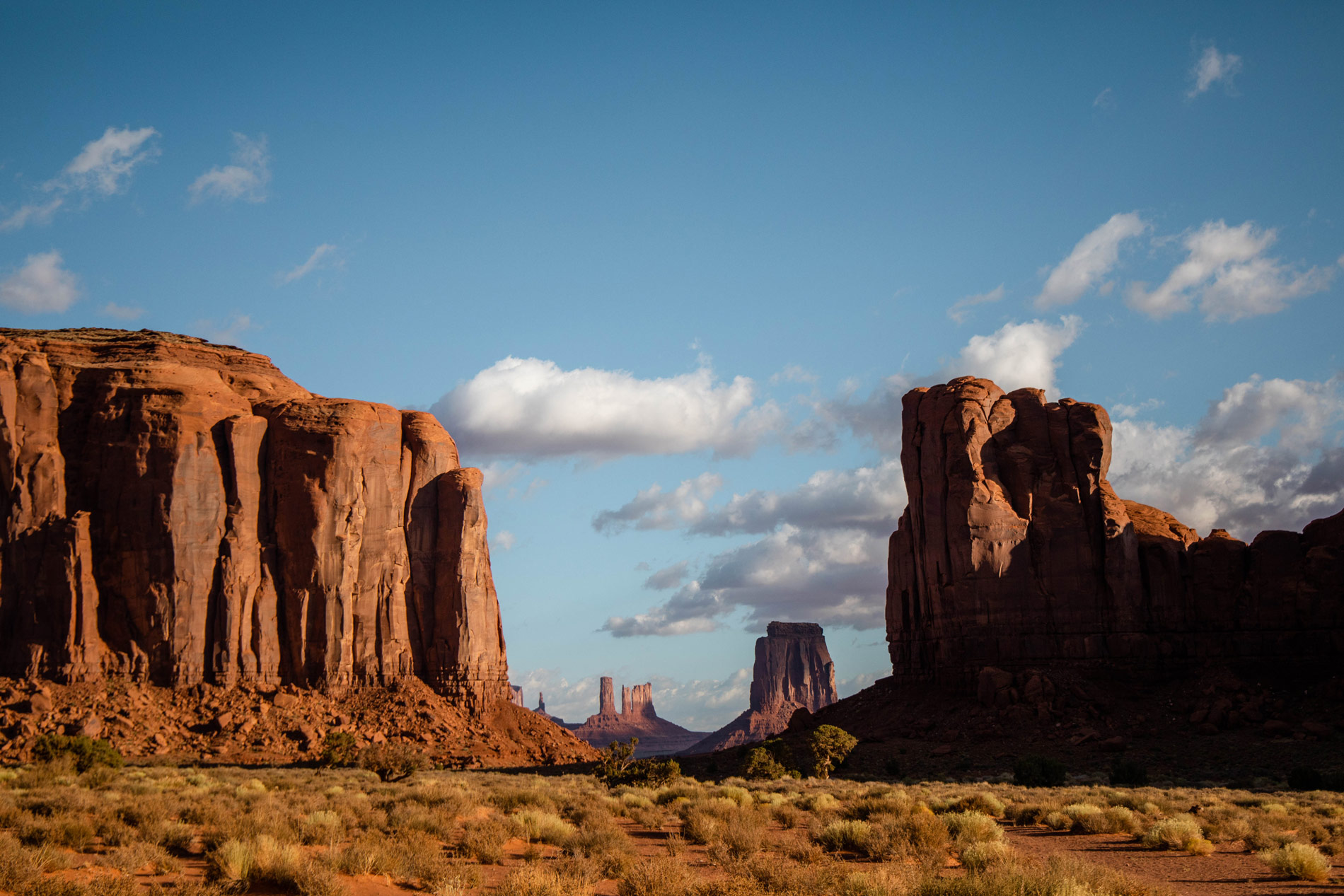 north-window-visiter-monument-valley-blog-usa