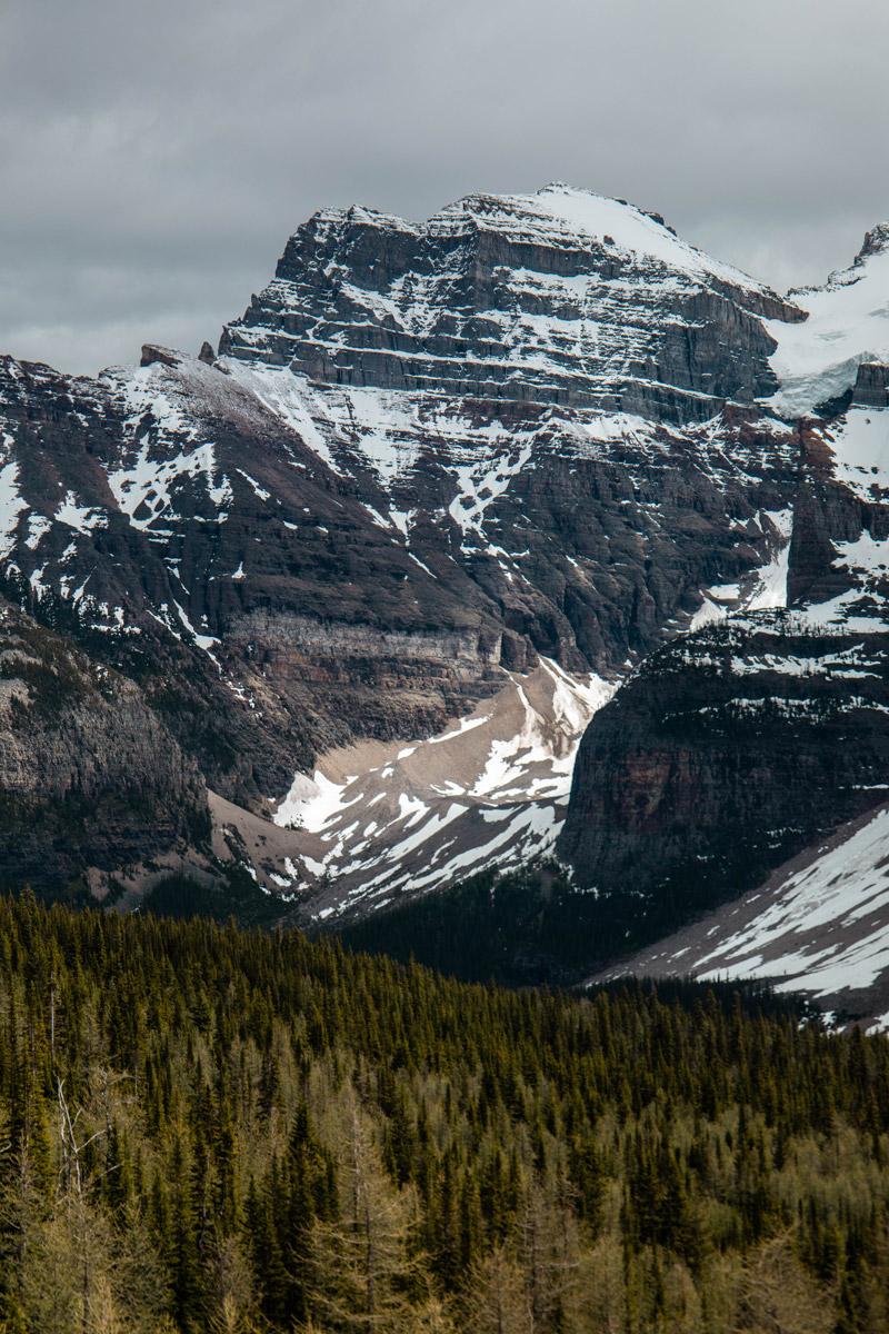 sentinel-pass-via-larch-valley-lac-moraine