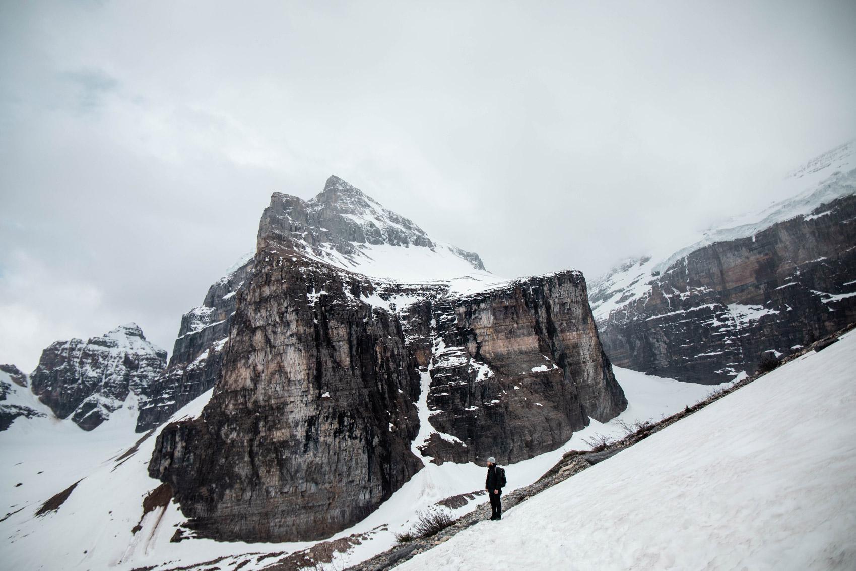 trek-plain-of-six-glaciers-alberta-banff