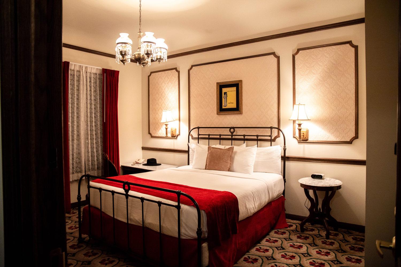 room-mizpah-hotel-tonopah-nevada