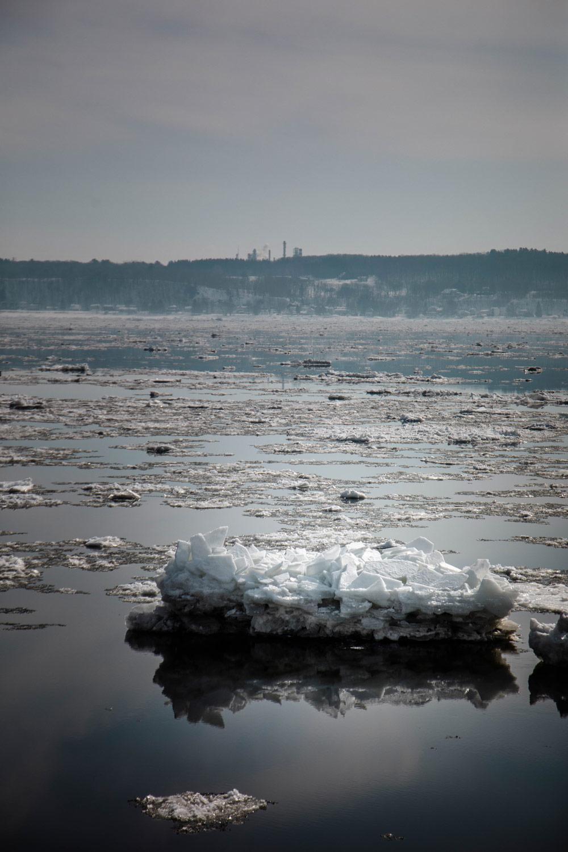 le-fleuve-saint-laurent-en-hiver