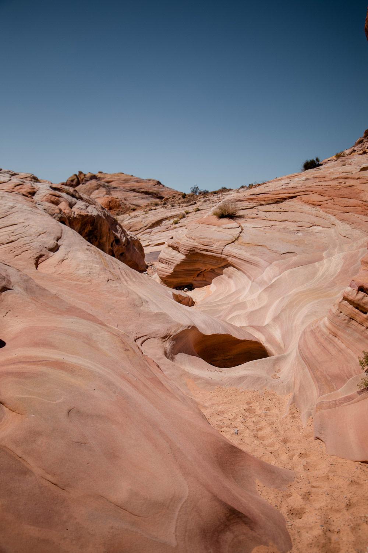 sentier-rando-pink-canyon-nevada