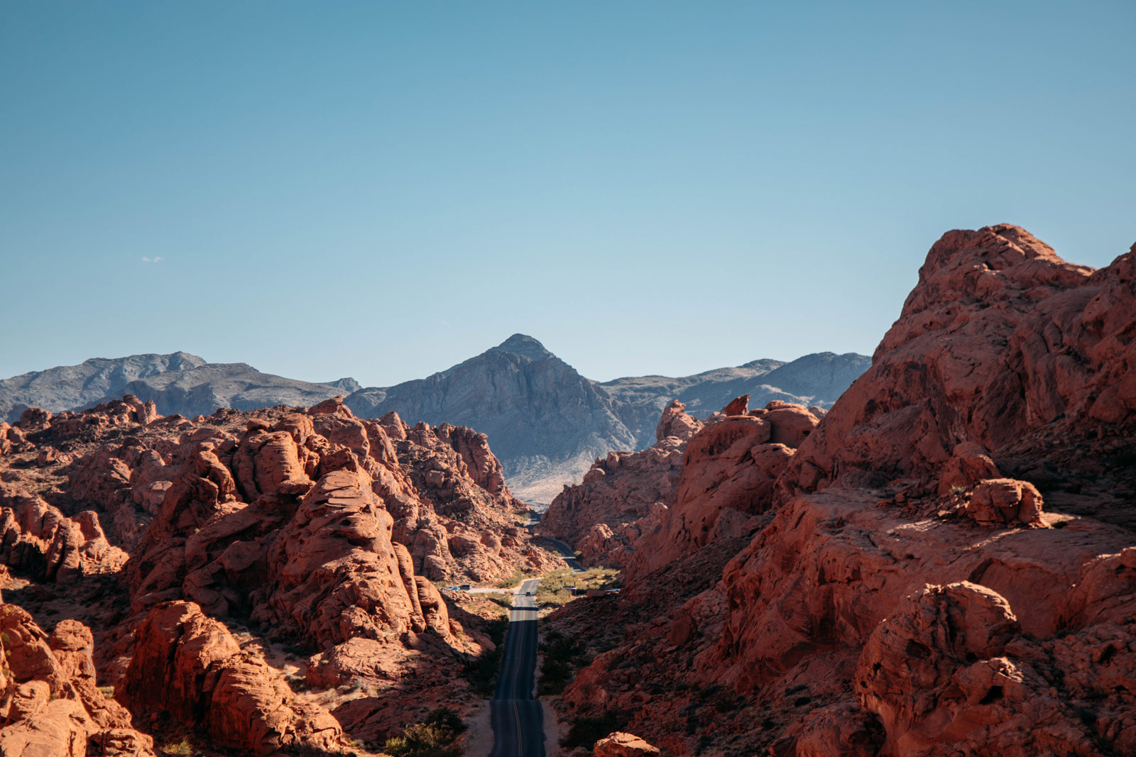 white-domes-road-valley-of-fire