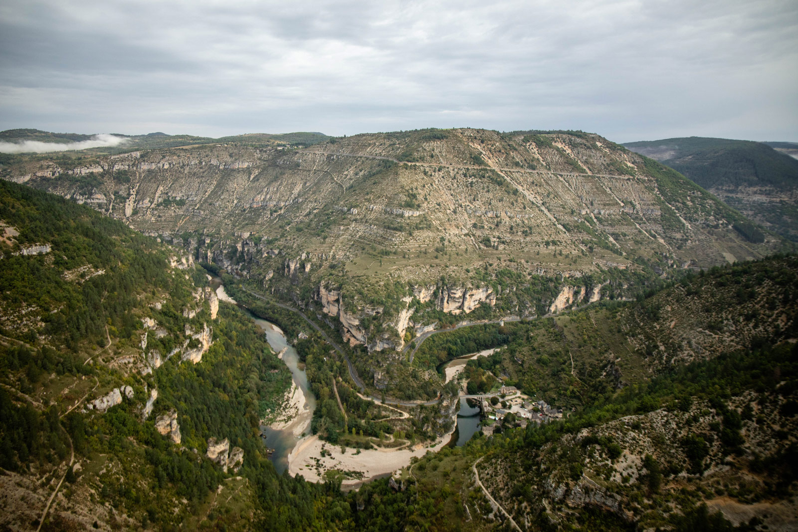 Le Saltadou : panorama Saint-Chély-du-Tarn-1