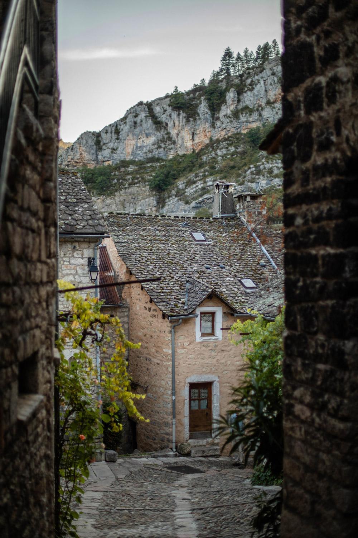 Sainte-Énimie tourisme Lozère
