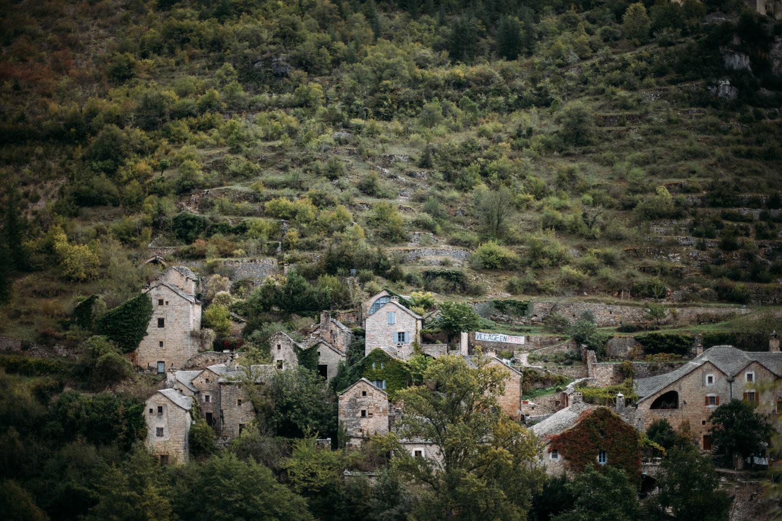 village Hauterives gorges du tarn