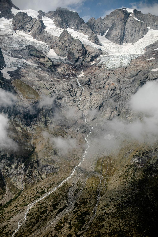 massif des grandes jorasses trek alpes