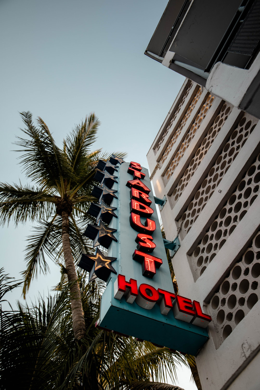 enseigne hotel art deco South Beach