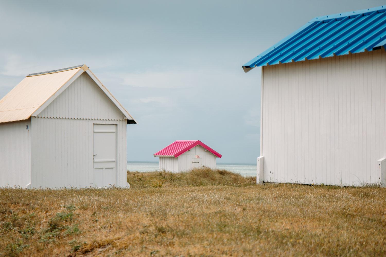 les petites cabines de plage de Gouville-sur-mer