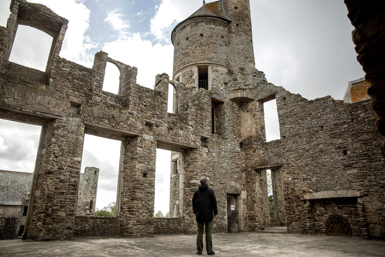 ruines du chateau abandonné de gratot