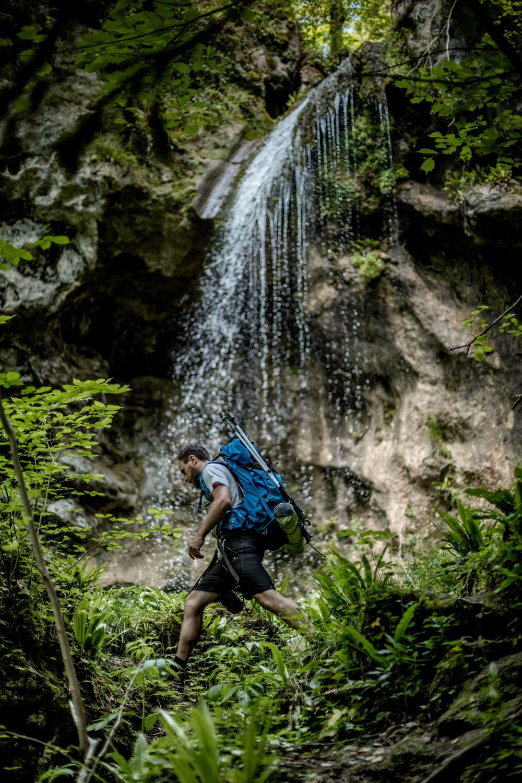 cascade cachée gorges du doubs