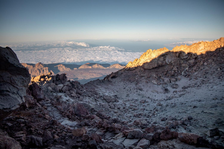 intérieur du volcan au lever de soleil