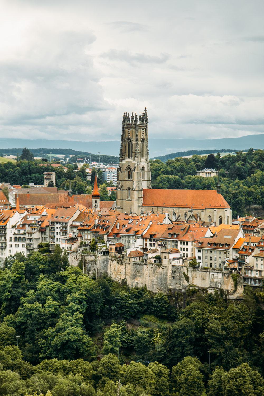 visiter la ville de Fribourg en Suisse