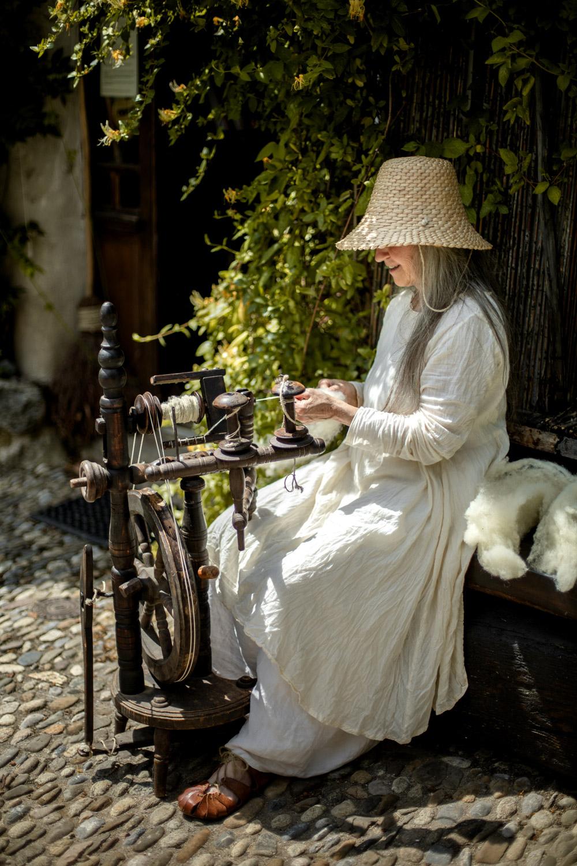 atelier de tissage au village de Montségur