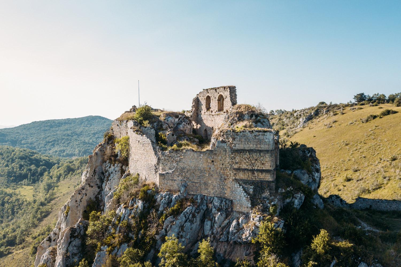chateau-cathare-roquefixade-sur-le-gr-107