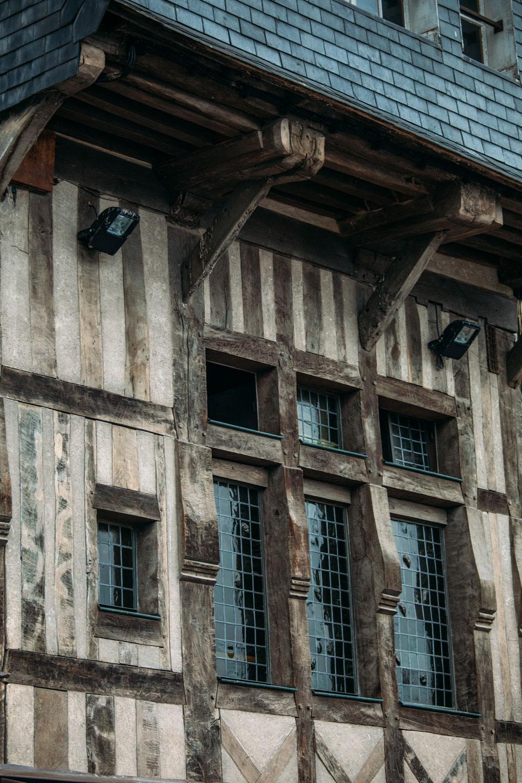 facade-typique-honfleur